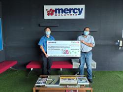Pharmacy chain donates RM50,000 to Sabah fund