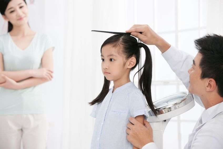 It It is important to keep track of a child's height regularly.