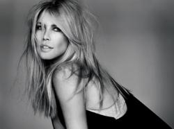 Would Claudia Schiffer be successful if virtual models existed in the 90s?