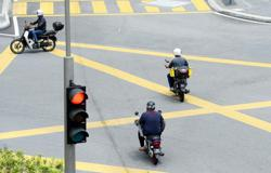 Cops launch operation to nab road users who run red light