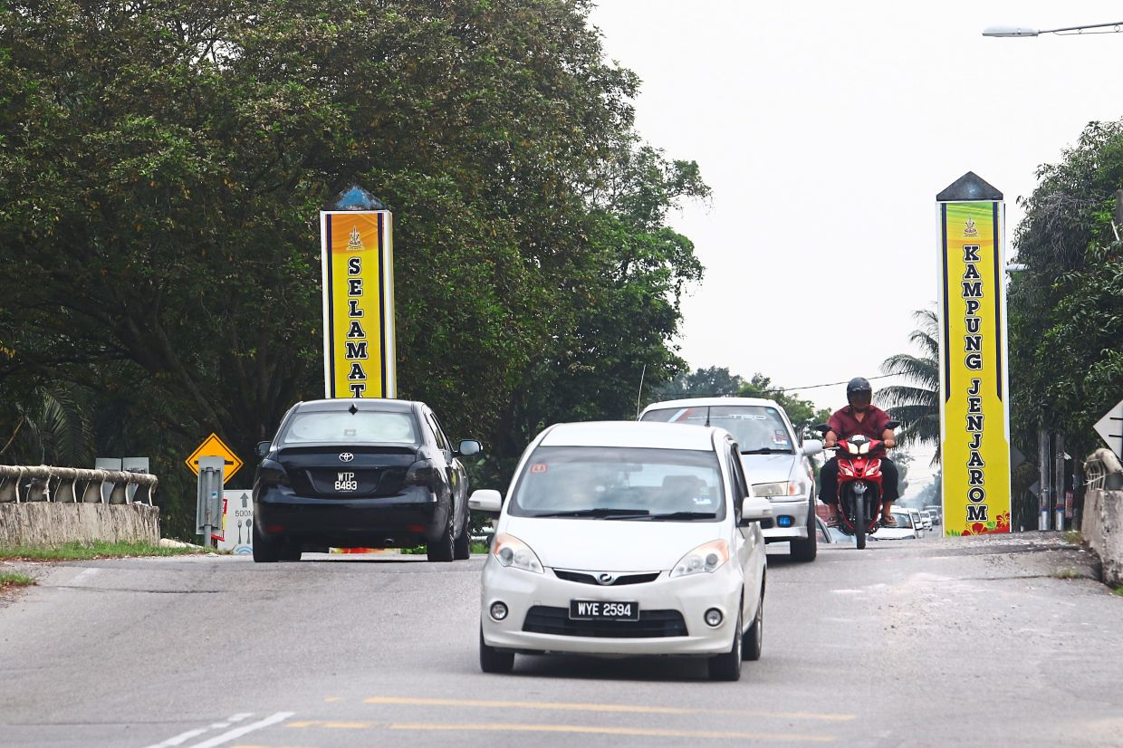 Kampung Jenjarom faces the prospect of having a heavy industry in their midst although the area is classified a medium industrial zone under the Kuala Langat Local Plan 2030.
