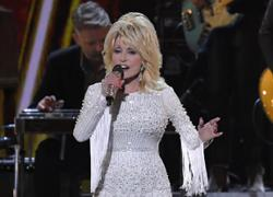 Dolly Parton works more than 9 to 5; wakes up at 3am daily