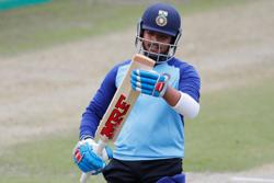 Cricket-India keep faith with opener Shaw for Adelaide