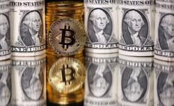 Crypto exchange Coinbase hit by tech trouble as bitcoin breaks $20,000 for first time
