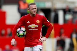 Wayne Rooney's son Kai signs for Man United