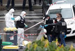 Four arrested for Sept. 25 Paris knife attack, source says