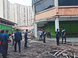 DBKL tears down illegal structures to upgrade drainage system