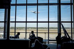 Airlines balk at refunds after UK announces curbs
