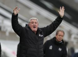 Newcastle boss Bruce accepts criticism after League Cup exit