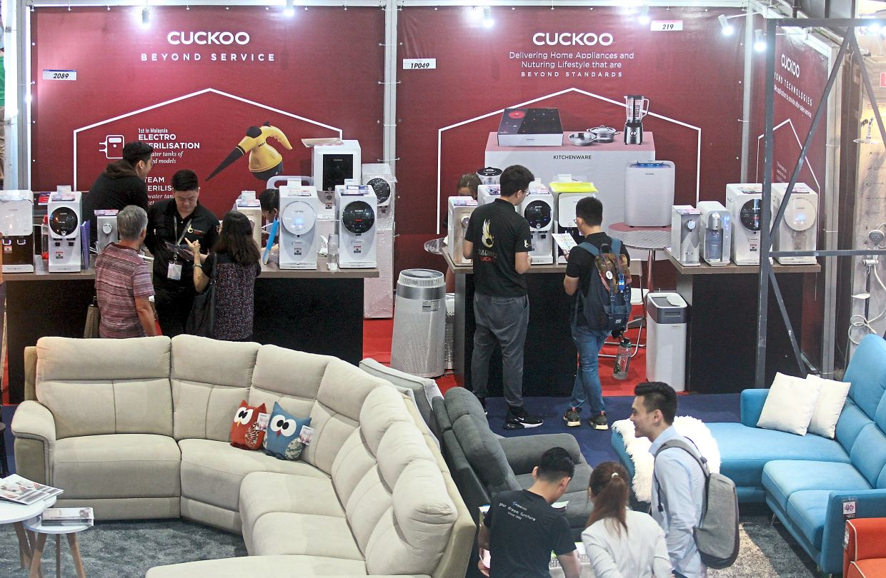 The Perfect Livin home expo, which returns tomorrow after 10 months, will adhere to all  governnment guidelines to ensure the safety of visitors and  exhibition workers. — Filepic