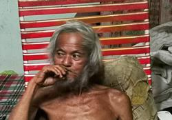 Elderly man living alone in need of care