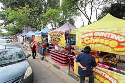 Roadside stalls get in motorists' way