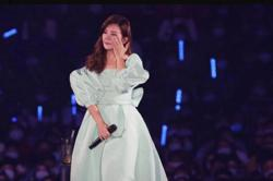 Malaysian singer Fish Leong cried two nights in a row at Taipei concert