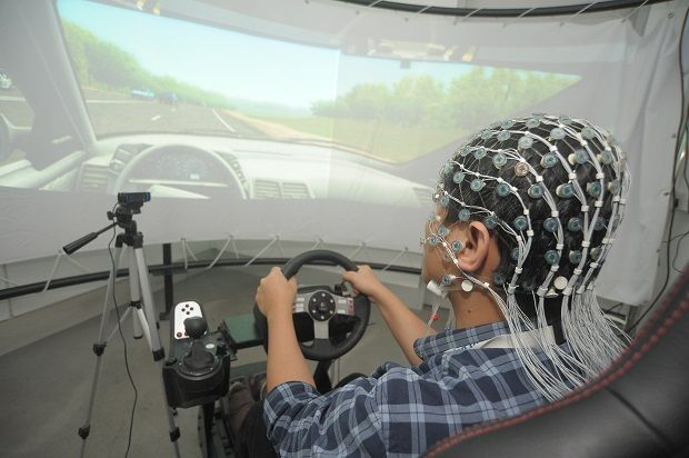 Using electroencephalography (EEG), researchers at UTP Institute of Health and Analytics (IHA) for Personalised Care are able to detect factors that cause accidents such as drowsiness, fatigue and distraction.