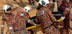Man dies after loose soil collapse during excavation work