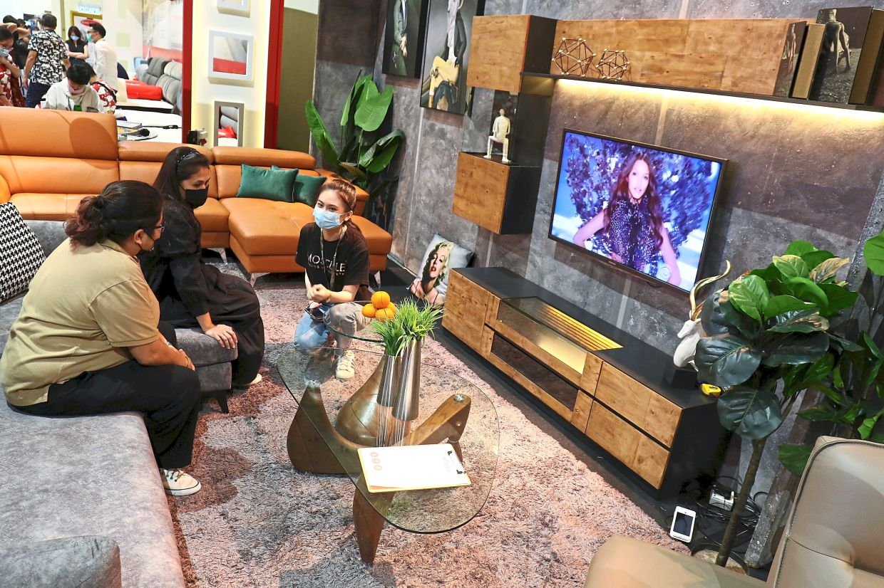 Visitors to the company's booths can expect a wide range of furniture, including coffee tables and television cabinets.