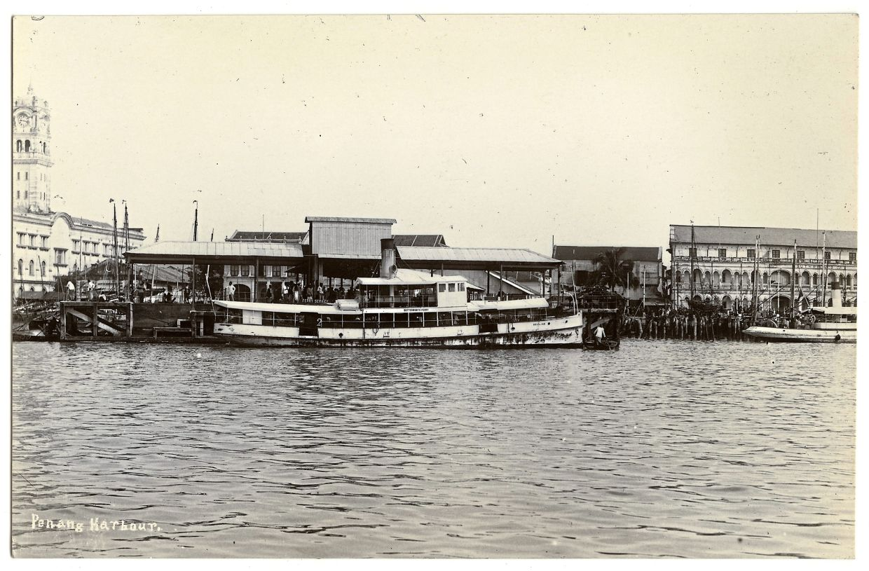 The steamship ferry named Butterworth, berthed at Church Street Pier in the 1920s. Photo courtesy of Khoo Salma.