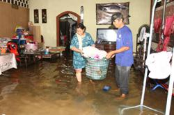 26 people evacuated after flash floods hit village in Skudai