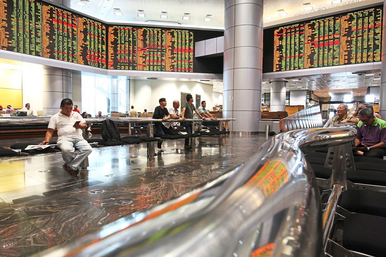 Bursa bounces: Looking at it from the stock market crash of March 19, the FBM KLCI has actually rebounded 33.41% on the back of the rally of rubber glove heavyweights and the influx of retail investors into the local bourse, which saw the total trading volume for 2020 hitting more than 1.8 trillion units, almost triple of that of 2019 at 613.59 billion.