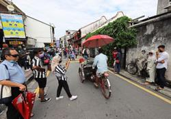 Local tourists spend long weekend in Penang
