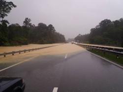 Sri Jaya and Gambang interchanges on East Coast Expressway flooded, motorists advised to call off journey
