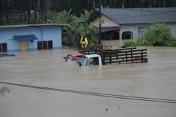 Three rivers exceed danger mark in Johor