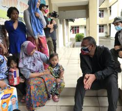 Hisham: Malaysia, Singapore in talks to standardise SOPs over cross-border travel for compassionate reasons