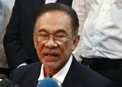 'Pakatan in talks with all to wrest power from Perikatan'