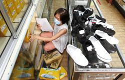 Now parents want white shoes