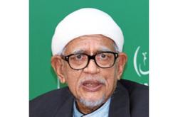 Abdul Hadi hoping to save declining Umno-Bersatu ties