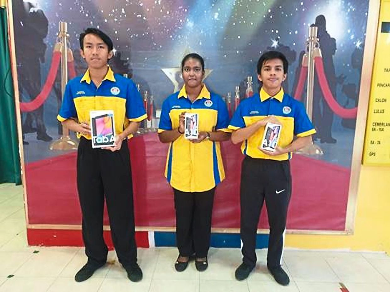 Secondary: (Left to right): Individual winners Azriel Eiyman Azli, Ruthreshwari Muguntan and Muhammad Irfan Mohd Fairuz.