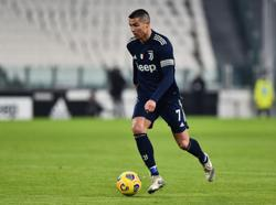 Juventus' Ronaldo sets record with 15th Serie A goal