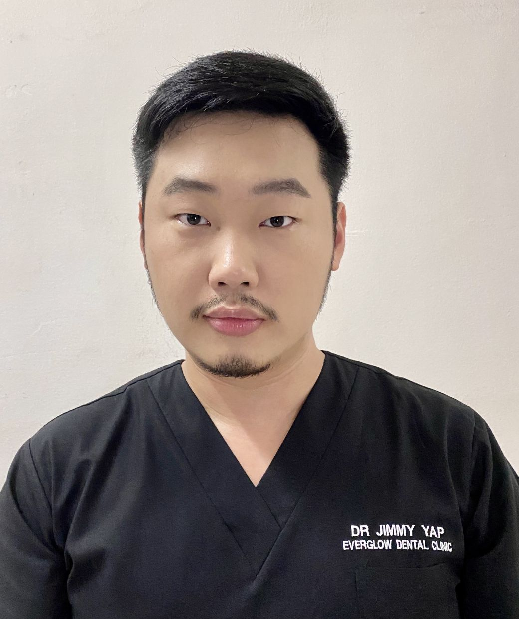 Principal dentist at Everglow Dental Clinic Dr Yap Jun Meng warned the public of the health risk from undergoing dental treatments by unqualified practitioners.