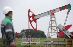 Oil prices rise on expected inventory drawdown; virus concerns cap gains
