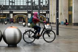 Merkel sees coronavirus lockdown until early April - Bild
