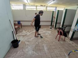 Covid-19 patients help clean dirty toilets at the quarantine centre in viral Facebook post
