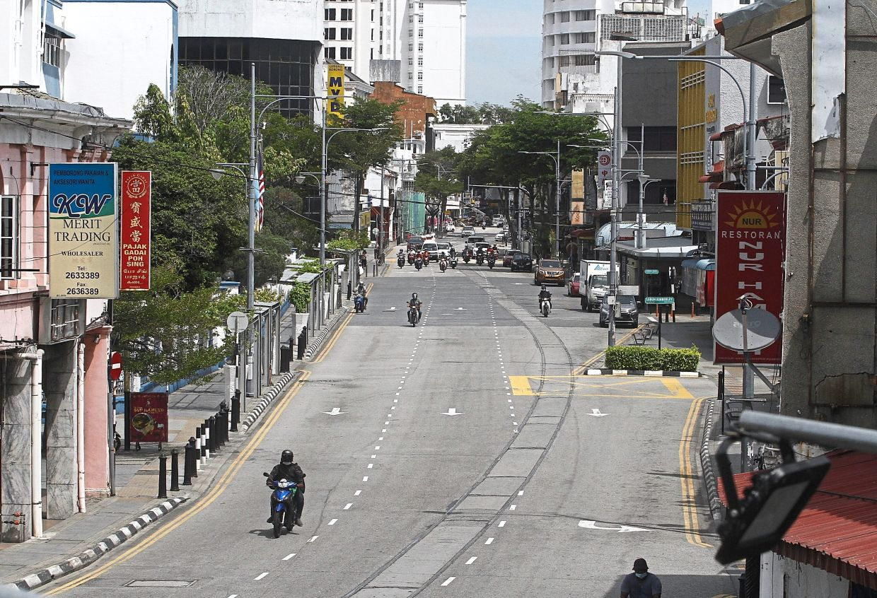 Low traffic volume on Penang Road on the first day of MCO 2.0.