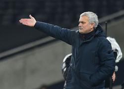 Mourinho laments Spurs' repeated failure to kill off opponents