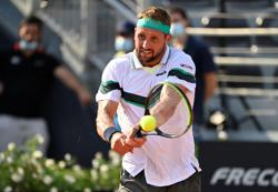Sandgren allowed to board Australian Open flight despite positive test