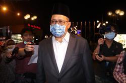 Shahidan seeks to be replaced as Select Committee member