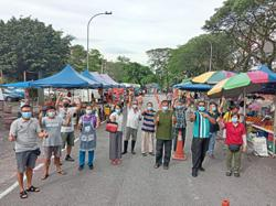'Unfair to ban night market traders'