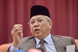 Proclamation of Emergency should not be politicised, says Annuar Musa