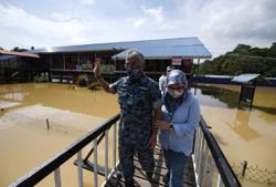 King's visit to flood victims in Pekan lauded
