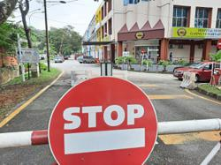 Locked boom gate an inconvenience, say condo residents