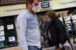 With pandemic raging, Spain's real estate firms head online