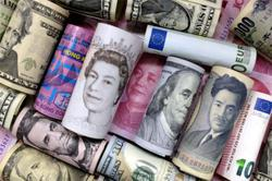 Dollar finishes week stronger as US data hurts risk appetite