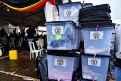 Uganda's Museveni heads for election win, rival alleges fraud