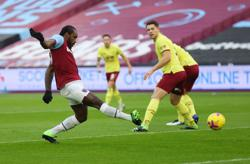 Soccer-Antonio earns West Ham narrow win over Burnley