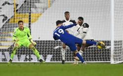 Mount strikes as Chelsea edge 10-man Fulham