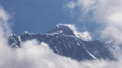 Nepali mountaineering team sets record by climbing second tallest peak in winter